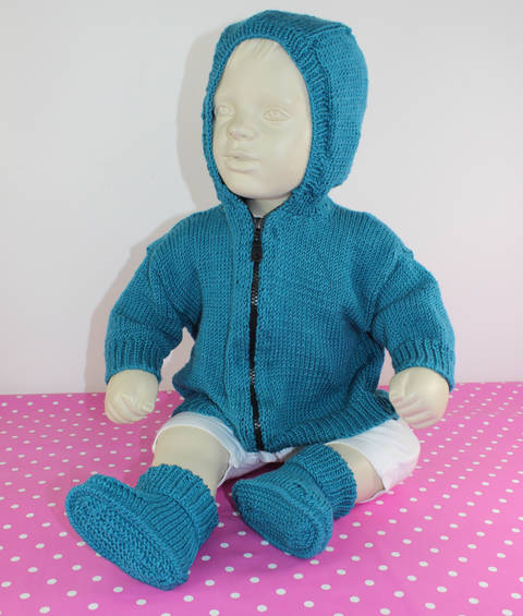Baby Hoodie Bomber Jacket and Booties at Makerist