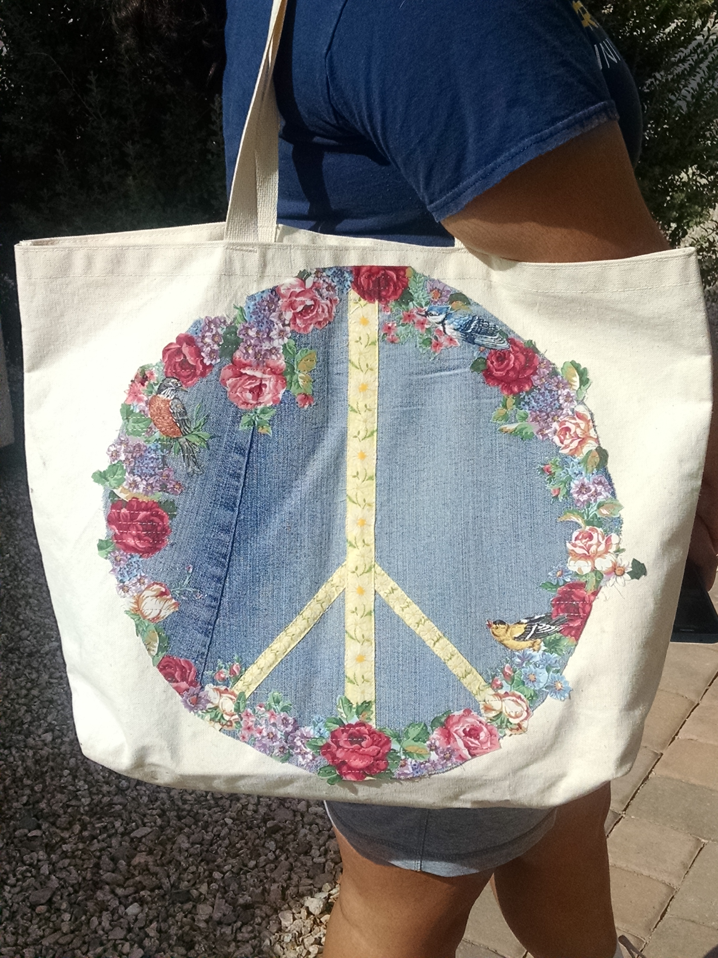 Broderie Peace Patch