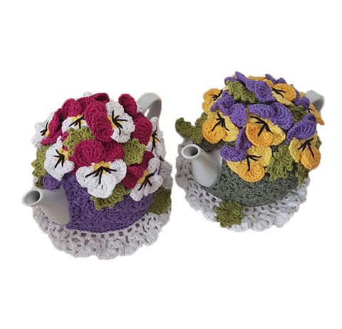 Pansy Garden Tea Cosy - 4-Cup at Makerist
