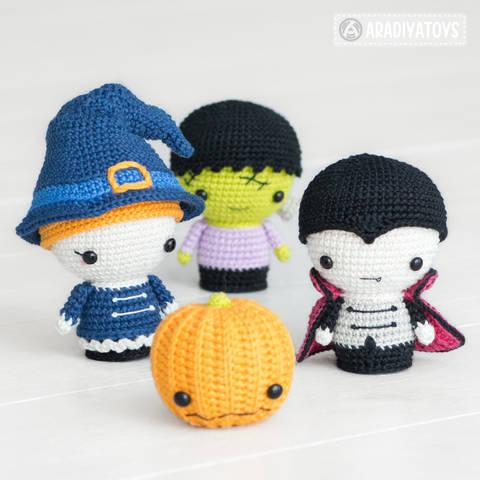 Crochet pattern of Halloween Minis by AradiyaToys