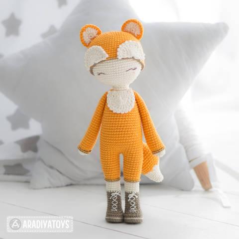 """Friendy Laura de la collection """"AradiyaToys Friendies"""" chez Makerist"""