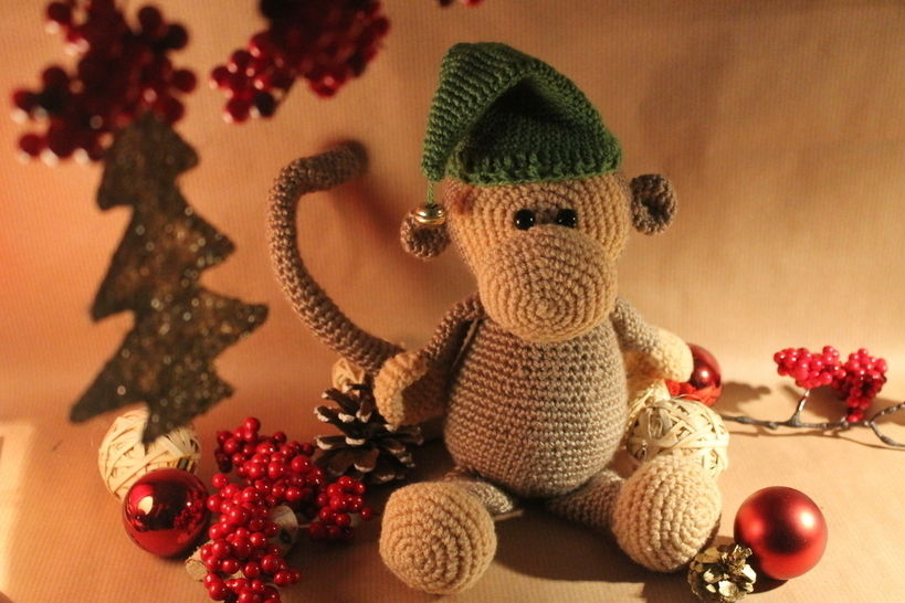 """Häkelanleitung """"Willi Weihnachtsaffe"""" bei Makerist - Bild 1"""