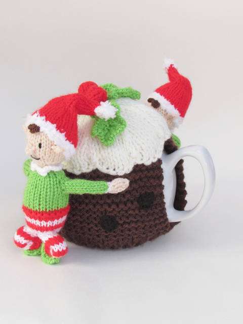 Elves and Christmas Pudding Tea Cosy at Makerist