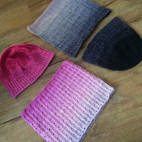 Crochet hats and cowls - pattern for two sets at Makerist - Image 1
