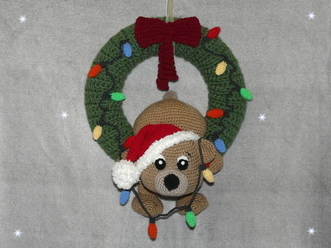 Crochet Pattern Christmas Door Wreath clumsy teddy at Makerist