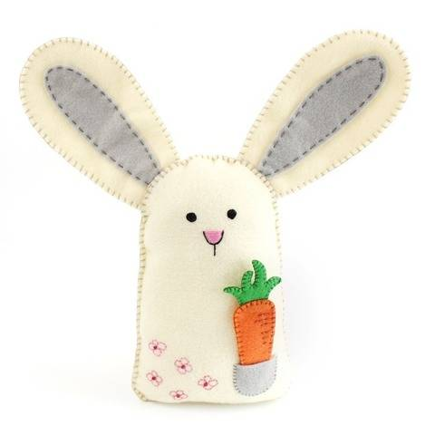 Felt Bunny Rabbit and Carrot Hand Sewing Pattern at Makerist