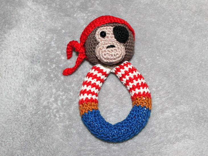 Monkey pirate rattle crochet pattern at Makerist - Image 1