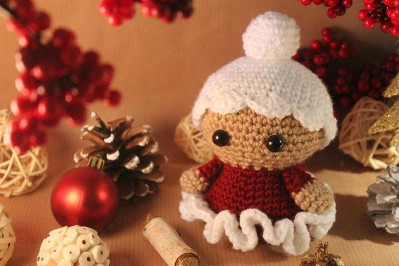 """Häkelanleitung """"Weihnachtsfrau"""" bei Makerist - Bild 1"""