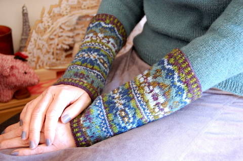 Life of the Crystal - arm warmers knit pattern