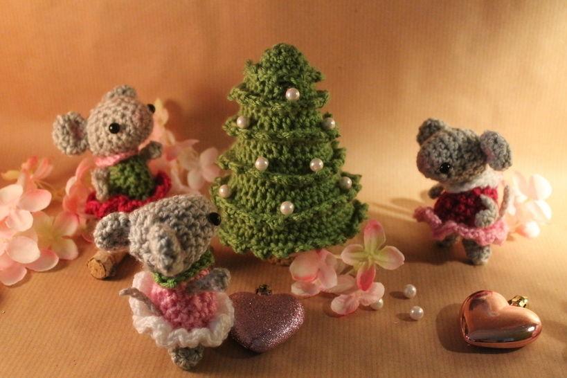 """Häkelanleitung """"Weihnachten bei Familie Maus"""" bei Makerist - Bild 1"""