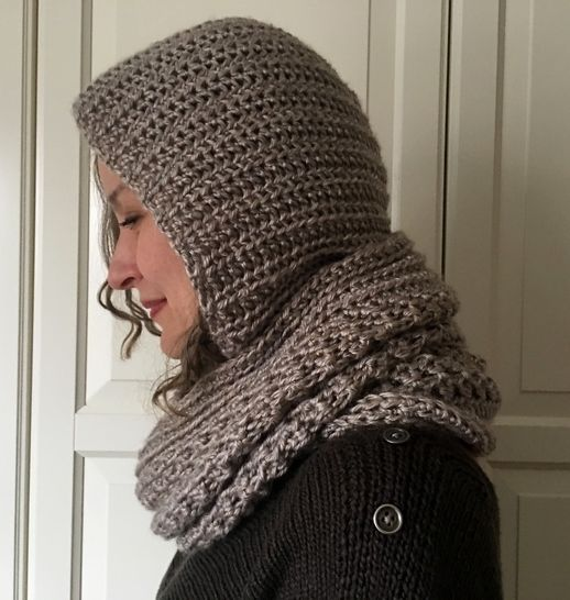 Crochet Hooded Cowl Pattern / Hoodie PDF (Foxy Hooded Cowl) at Makerist - Image 1