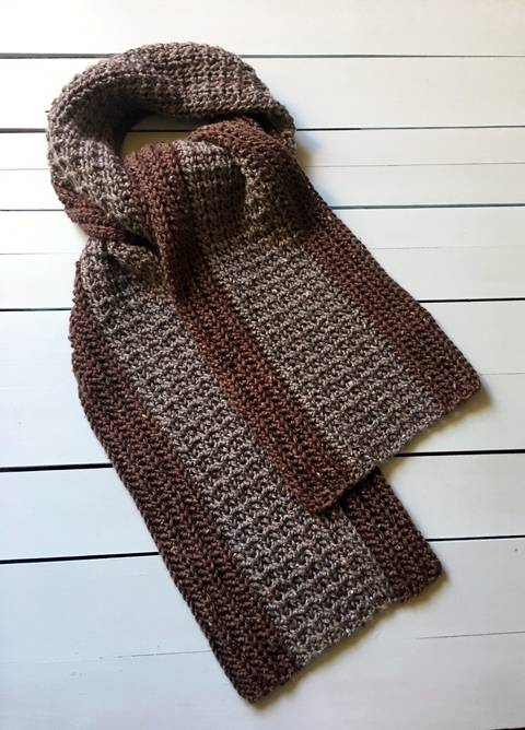 Crochet Scarf Pattern (Your Man Tweeds a Crocheted Scarf!)