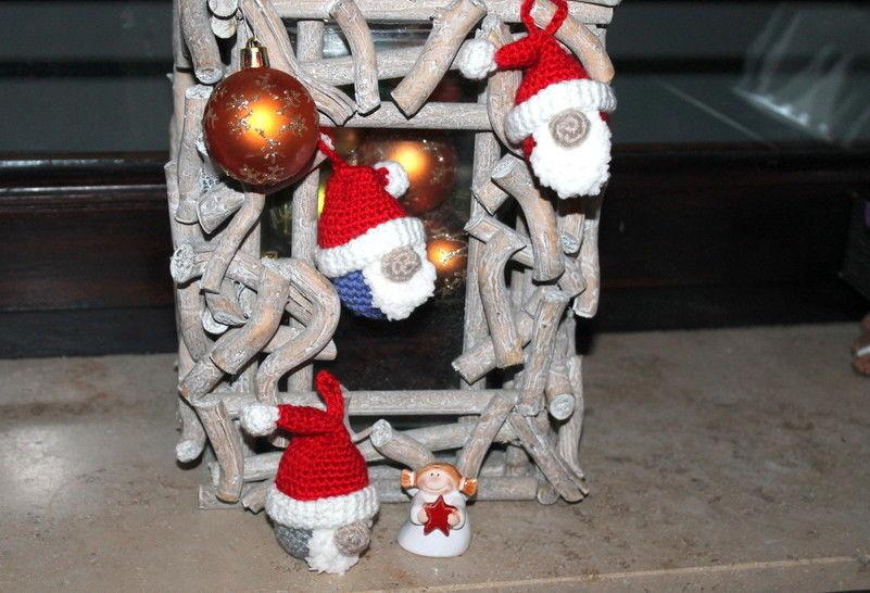 Mini Weihnachstwichtel Häkelanleitung bei Makerist - Bild 1