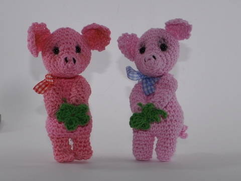Glücksschweinchen Amigurumi Häkelanleitung bei Makerist