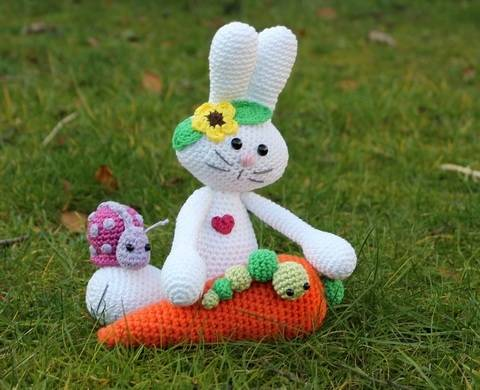 Mila the bunny and its friends crochet pattern at Makerist