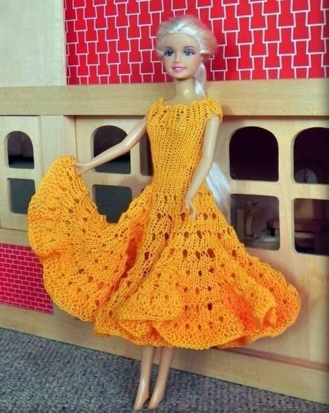Strickanleitung Barbie Kleid, Puppenkleidung stricken bei Makerist