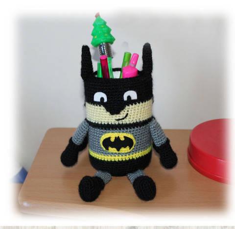 Batman Pencil Holder Pen Stand Crochet Pattern