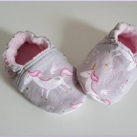 Chaussons pour bébés sans coutures apparentes