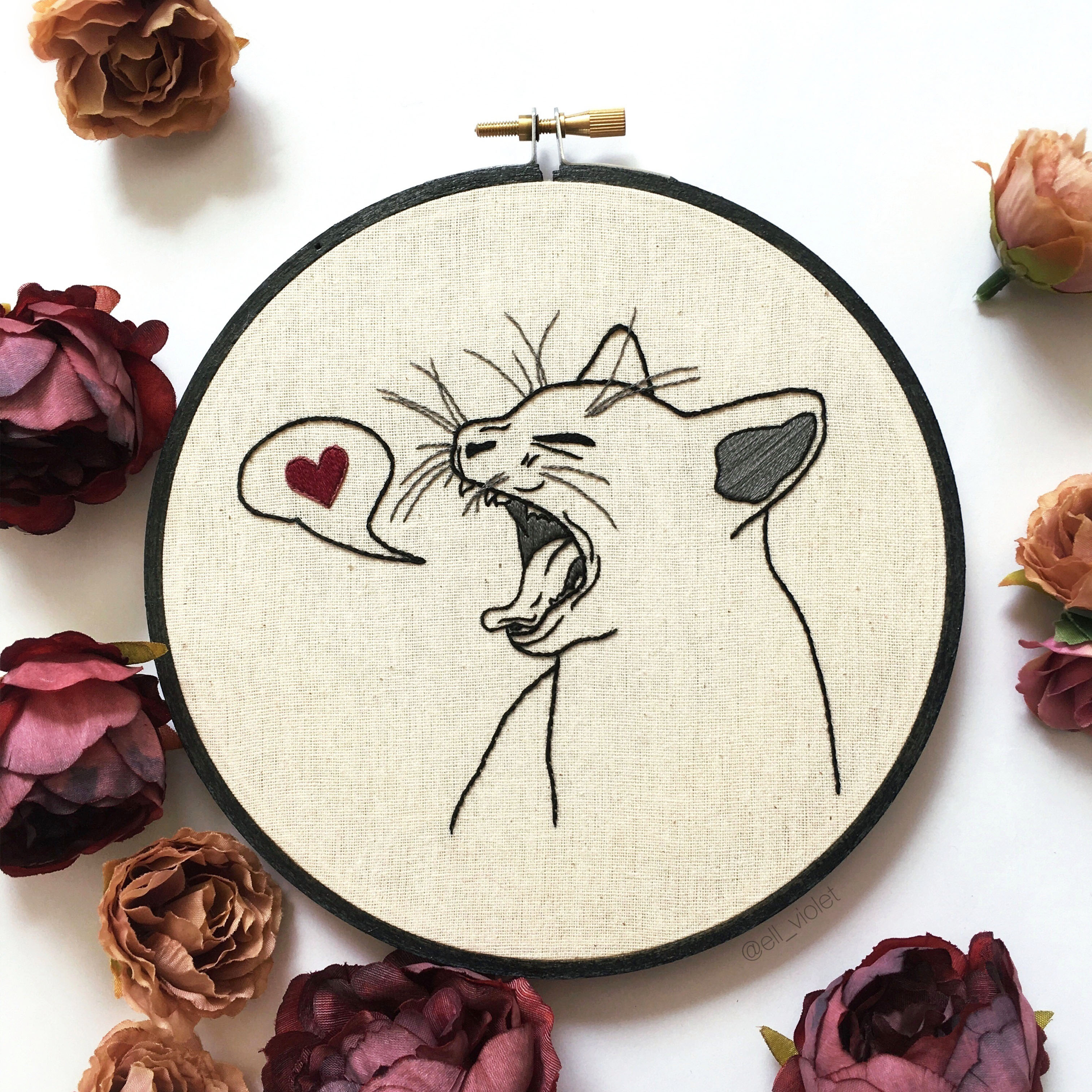 Love Bite Cat Hand Embroidery Pattern