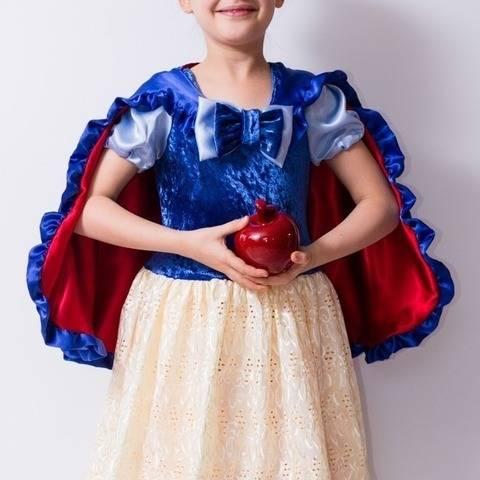 Accessoires robe princesse : cape, nœud, sur-jupe - patron