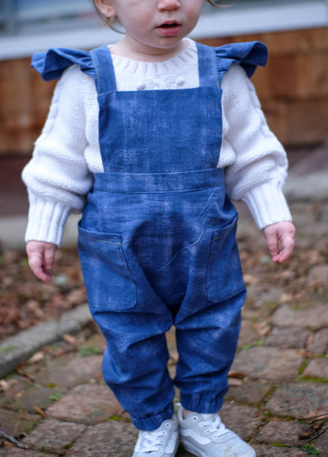 Ruffle Strap Overalls / Dungarees at Makerist