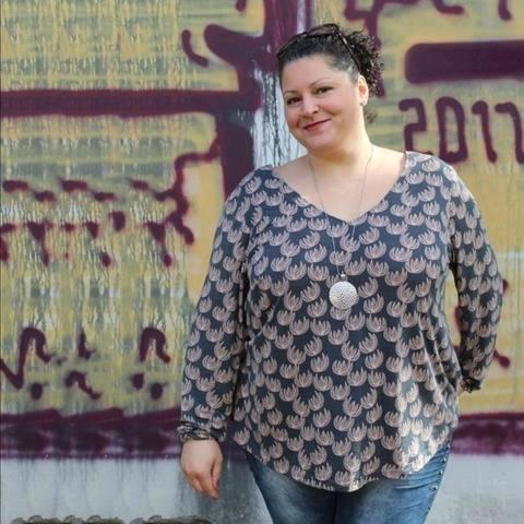 Kleid/Bluse Damen - Schnittmuster Gr. 46-54 - meine AVA #58 bei Makerist