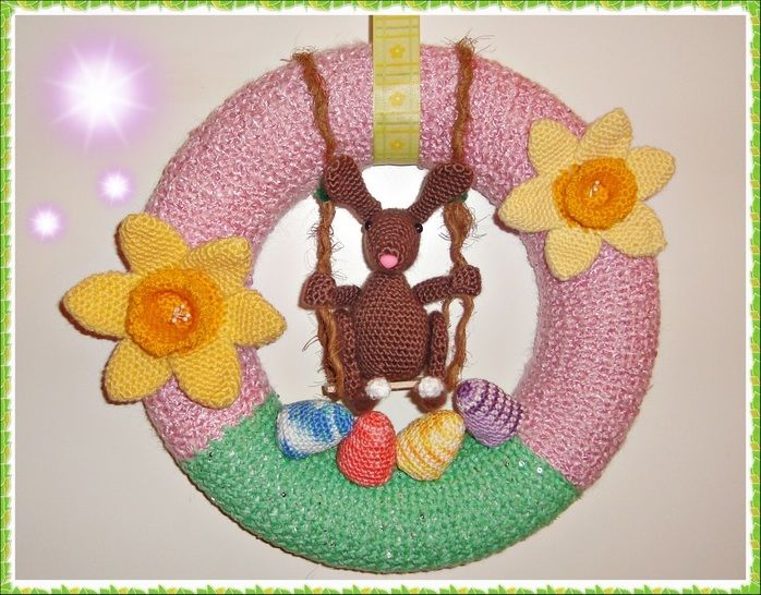 Easter Crest with Swinging Bunny – Crochet Pattern at Makerist - Image 1