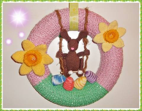 Easter Crest with Swinging Bunny – Crochet Pattern at Makerist
