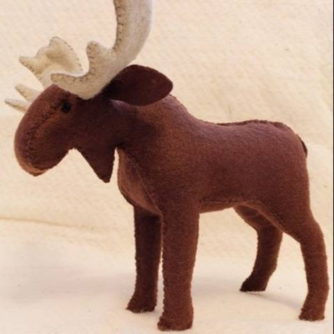 Felt Moose, pattern and Illustrated Instructions