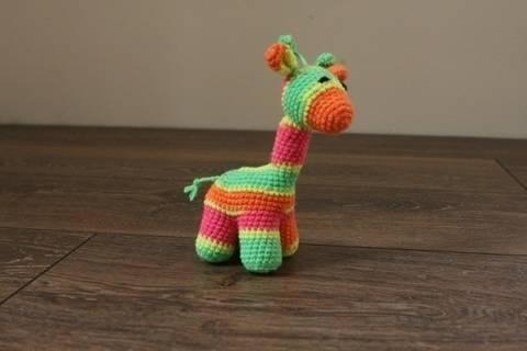 Häkelanleitung kleine Baby-Giraffe