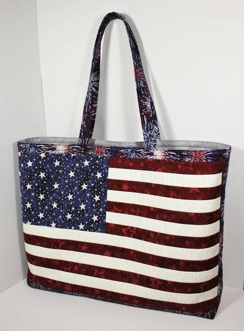 American flag tote bag pattern with zipper pockets at Makerist