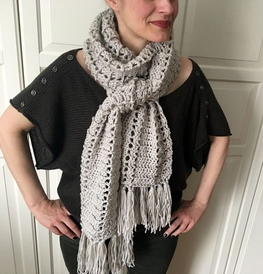 Easy Crochet Scarf Pattern (Wrap-Me-Up-Easy Scarf) at Makerist - Image 1