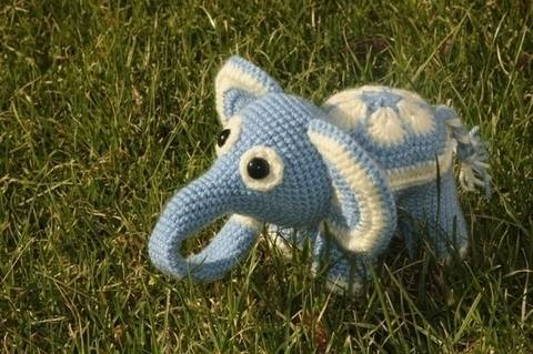 Blumenfant Elefant Häkelanleitung