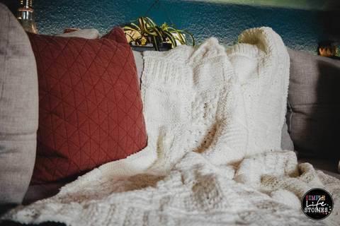 Strickanleitung: 30 verschiedene Karos für deine Sofadecke