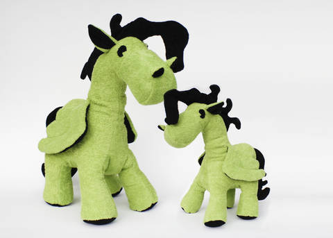 Schnittmuster + Nähanleitung Pegasus (Pony) in zwei Größen bei Makerist