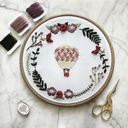 Hot Air Balloon Wreath - embroidery pattern  at Makerist - Image 1