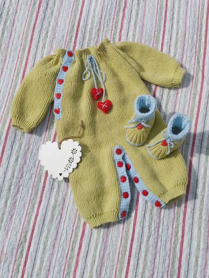 Hearts and Kisses Onesie and Bootie Set at Makerist - Image 1