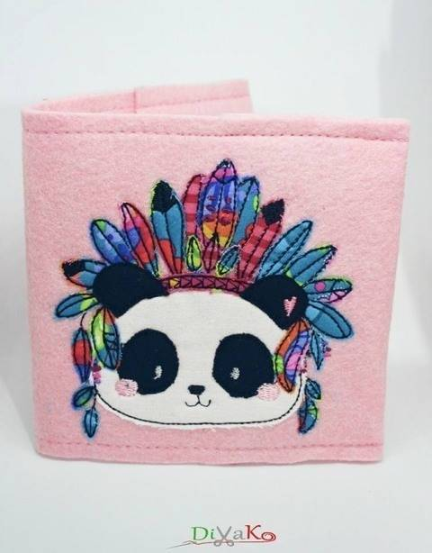 Stickdatei Boho Panda Häuptling 10x10 bei Makerist