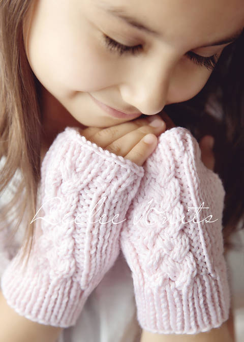 Cable Knit Fingerless Gloves