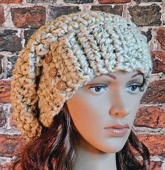 Buttoned Hat - Crochet Pattern - Women's  at Makerist - Image 1