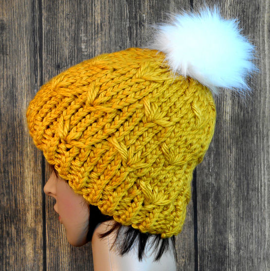 Daisy Stitch Hat - Knit Pattern - Women's at Makerist - Image 1