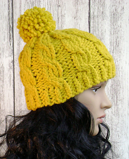 Easy Cable Beanie - Knit Pattern - Women's Hat at Makerist - Image 1