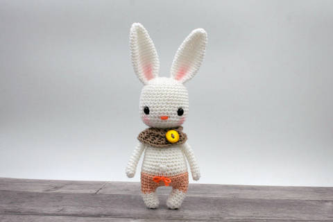 Amigurumi mini lapin KIARA - tutoriel de crochet chez Makerist