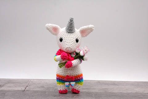 Amigurumi mini licorne JUNA - tutoriel de crochet chez Makerist