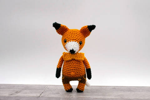Amigurumi mini renard VICTOR - tutoriel de crochet chez Makerist