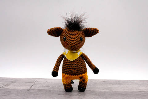 Amigurumi mini poney JORGE - tutoriel de crochet chez Makerist