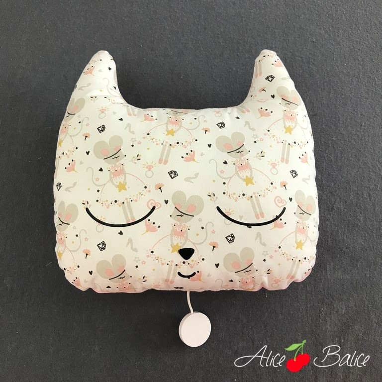 Doudou chat musical
