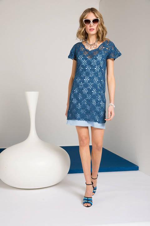 Kleid aus Häkelquadraten
