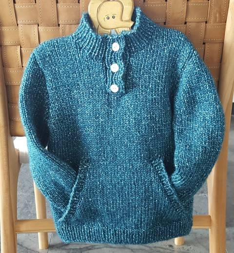 Child's sweater with pocket and buttoned neck - Paxton at Makerist