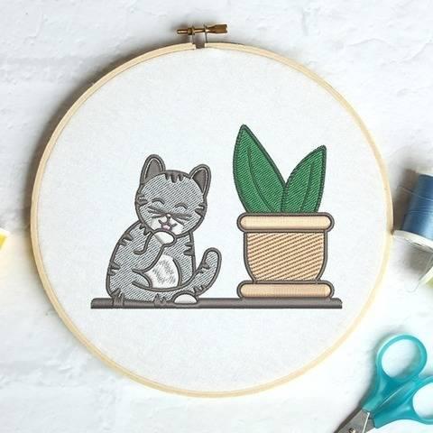 Putzende Katze mit Zimmerpflanze - Stickdatei